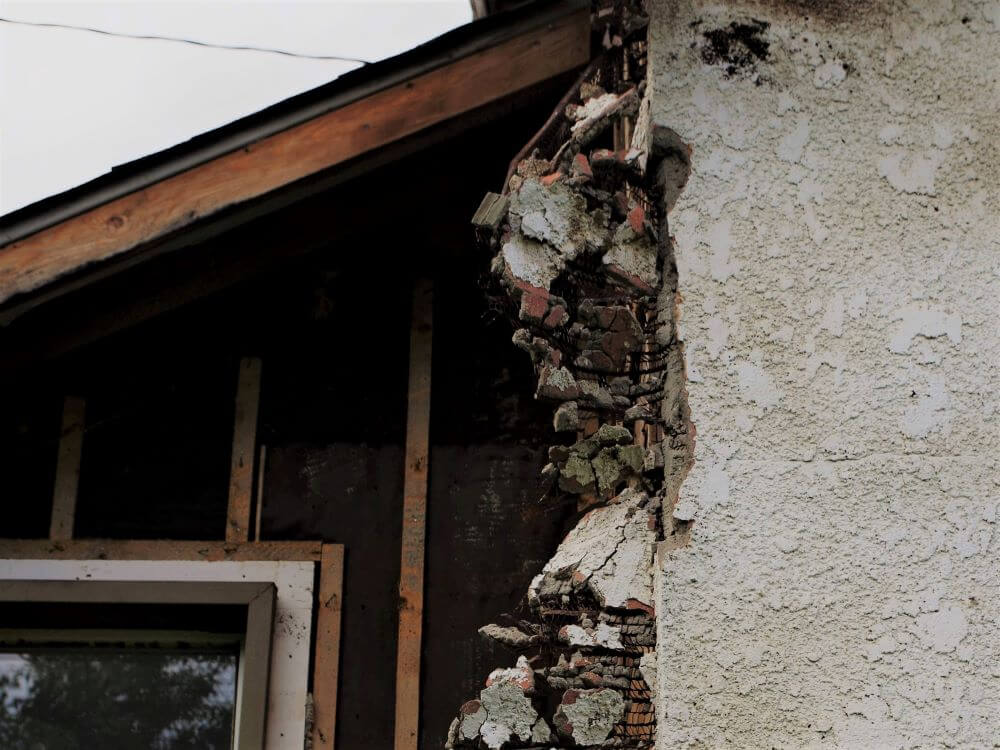 Asbestos Roof Tiles Guide | Helpful Safety Information